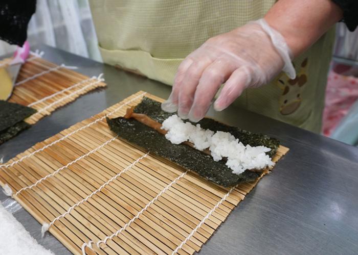 太巻き寿司の工程2